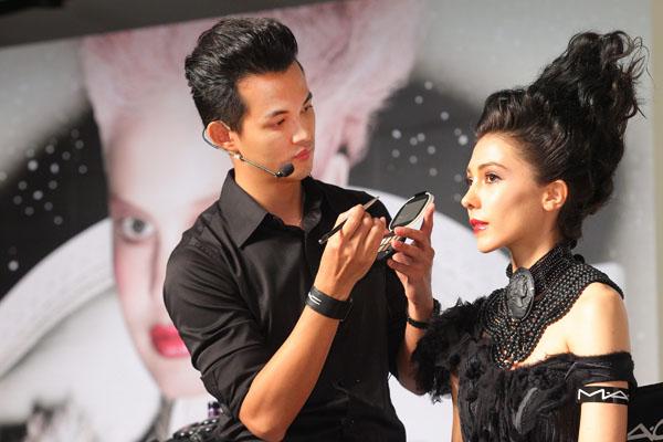 mac专业彩妆师示范璀璨女王白天妆容